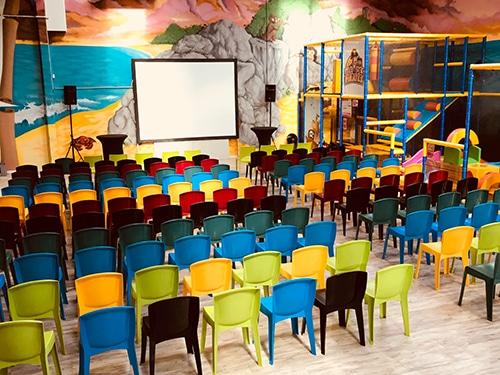 Phot Salle de réunion originale 50 à 200 personnes