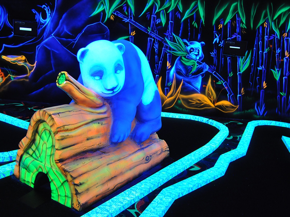photo Panda Goolfy mini golf fluo